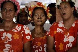 Local IKiribati women. Photo: Finn Frandsen, Politiken