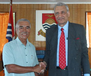 President Anote Tong with Commonwealth Secretary-General Kamalesh Sharma