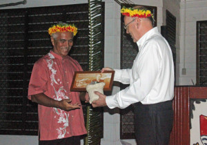 President Tong receives his award from Hillary Institute  Chairman David Caygill. Photo: Rimon/OB
