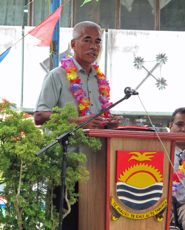 President Anote Tong addressed the nation at the National High-Level Public Hearing on Climate Change at Bairiki Square.