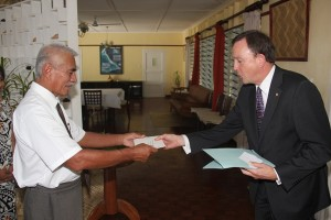 Dutch Ambassador -  Robert Willem Zaagman presenting his credentials to Kiribati President, Anote Tong